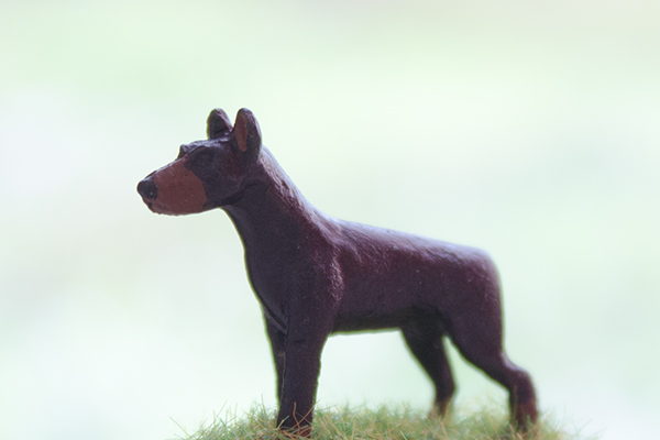 figurine chien doberman pinscher